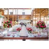 buffet para casamento com decoração